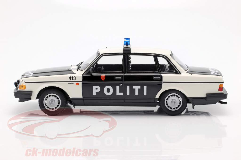 Volvo 240 GL police Norway year 1986 black / white 1:18 Minichamps