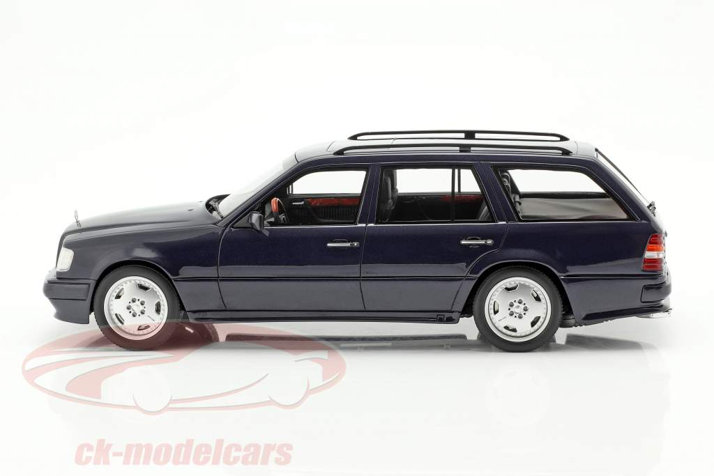 Mercedes-Benz S124 AMG E36 Ph3 Bouwjaar 1995 donkerblauw 1:18 OttOmobile