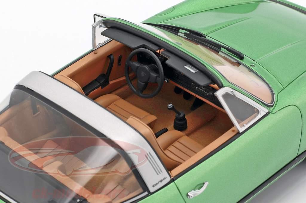 Porsche 911 S 2.7 Targa Bouwjaar 1974 groen metalen 1:18 GT-SPIRIT