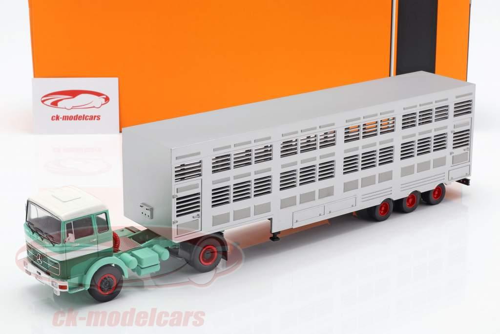 Mercedes-Benz LPS 1632 cattle trailer green / white 1:43 Ixo