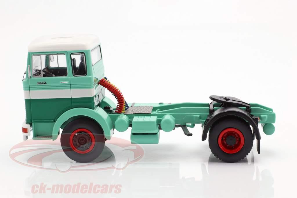 Mercedes-Benz LPS 1632 veewagen groen / wit 1:43 Ixo