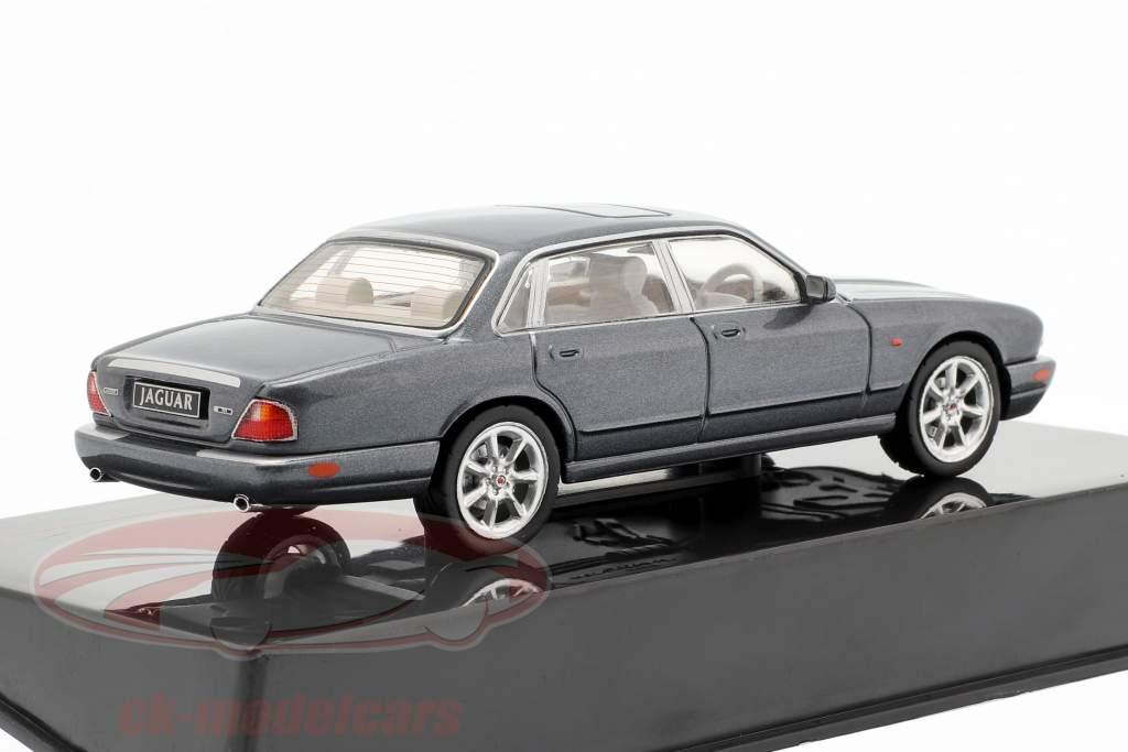 Jaguar XJ8 (X308) Opførselsår 1998 mørkegrå 1:43 Ixo