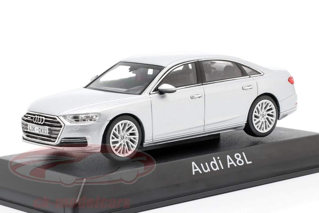 Audi A8L argento 1:43 iScale