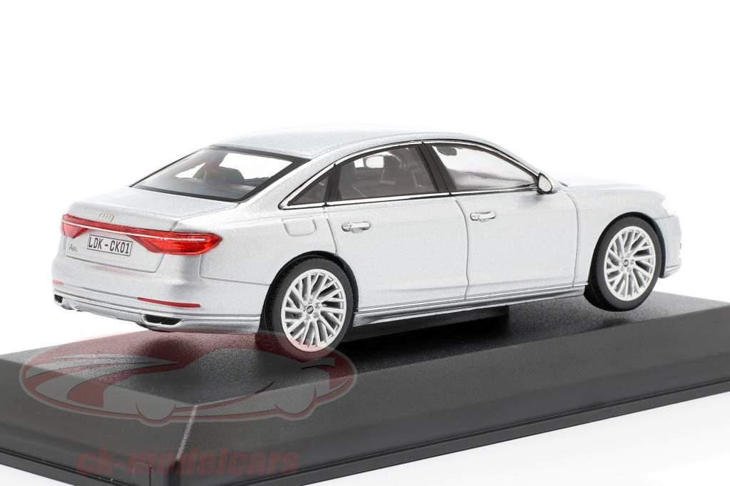 Audi A8L silver 1:43 iScale