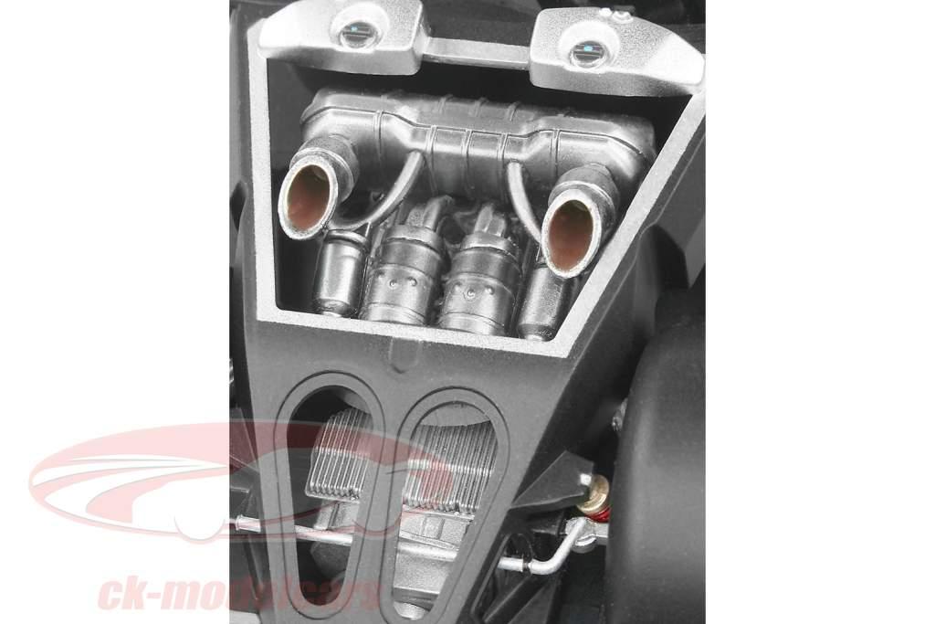 Porsche 918 Spyder kit silver 1:24 Revell