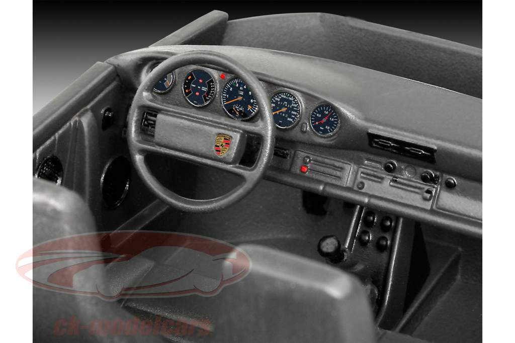 Porsche 911 Turbo kit red 1:24 Revell