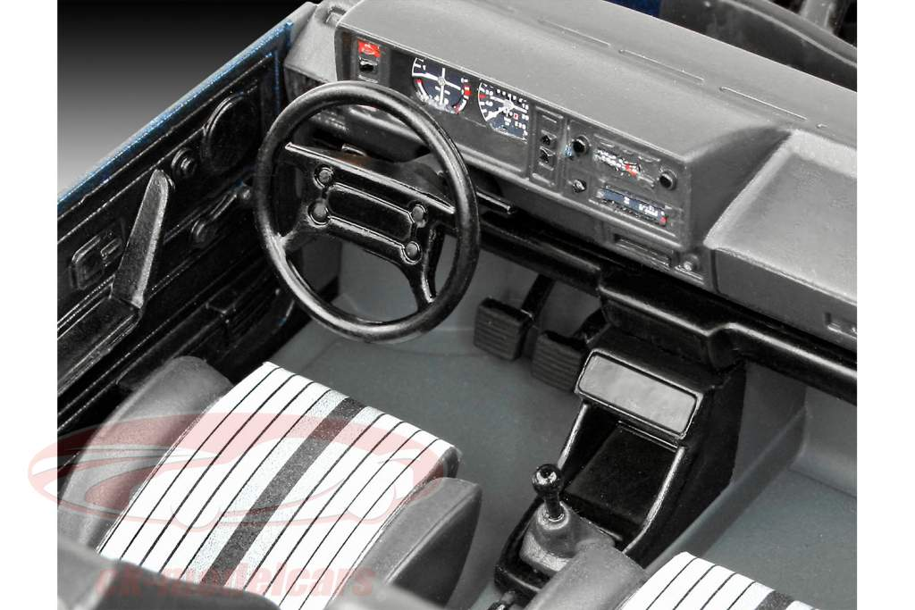 35 ans de Volkswwagen VW Golf GTI Pirelli trousse 1:24 Revell