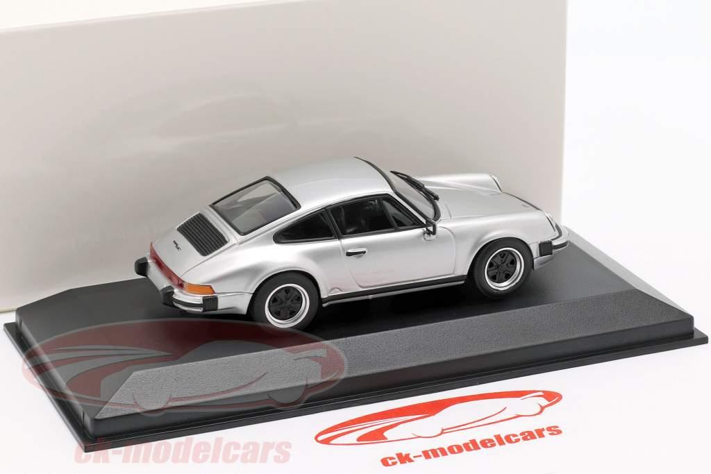 Porsche 911 SC année de construction 1979 argent métallique 1:43 Minichamps
