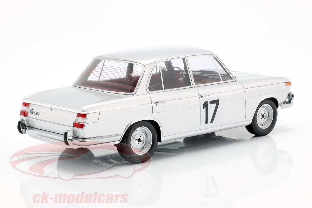 BMW 2000 TI #17 vencedor 24h Spa 1966 Ickx / Hahne 1:18 Minichamps