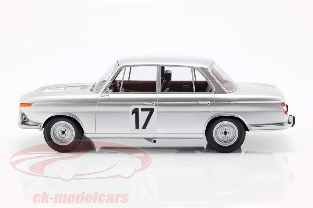 BMW 2000 TI #17 Vinder 24h Spa 1966 Ickx / Hahne 1:18 Minichamps