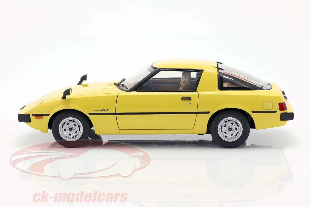 Mazda Savanna RX-7 (SA) GT-Limited año de construcción 1978 amarillo 1:18 AUTOart