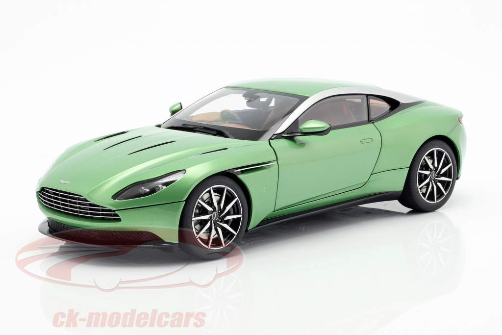 Aston Martin DB11 Bouwjaar 2017 appletree groen 1:18 AUTOart