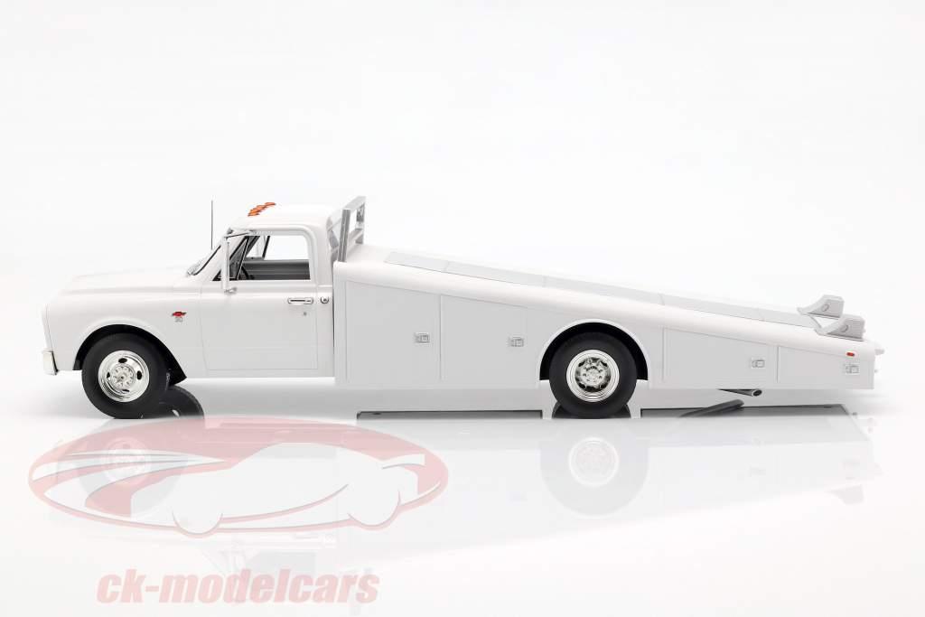 Chevrolet C-30 Ramp Truck ano de construção 1967 branco 1:18 GMP