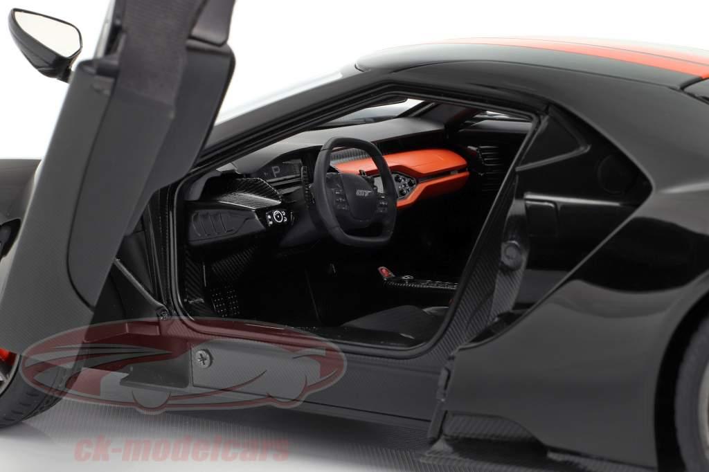 Ford GT año de construcción 2017 negro / naranja 1:18 AUTOart