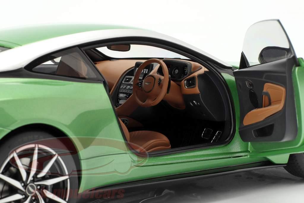 Aston Martin DB11 Baujahr 2017 appletree grün 1:18 AUTOart