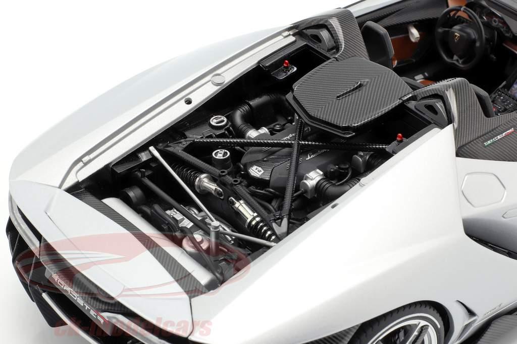 Lamborghini Centenario Roadster Bouwjaar 2016 zilver 1:18 AUTOart