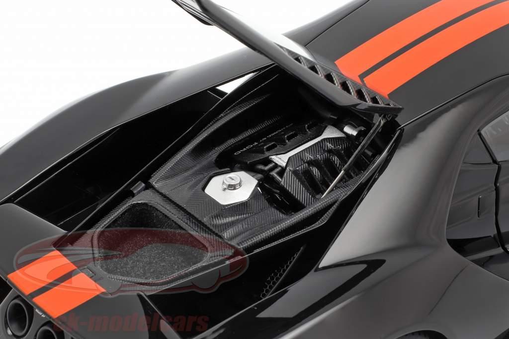 Ford GT anno di costruzione 2017 nero / arancione 1:18 AUTOart