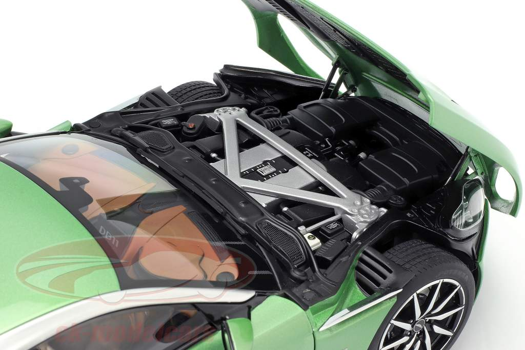 Aston Martin DB11 anno di costruzione 2017 appletree verde 1:18 AUTOart