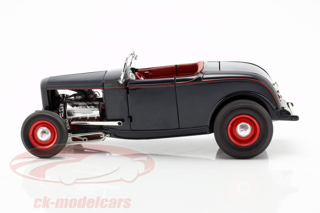 Ford Roadster Baujahr 1932 washington blau 1:18 GMP