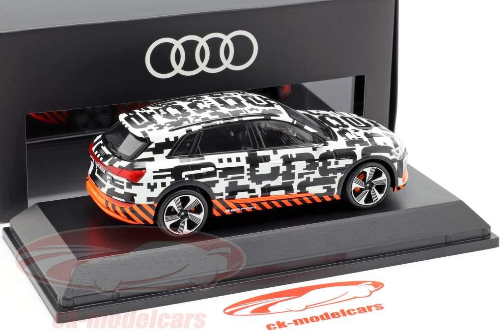 Audi e-tron prototype wit / zwart 1:43 Spark