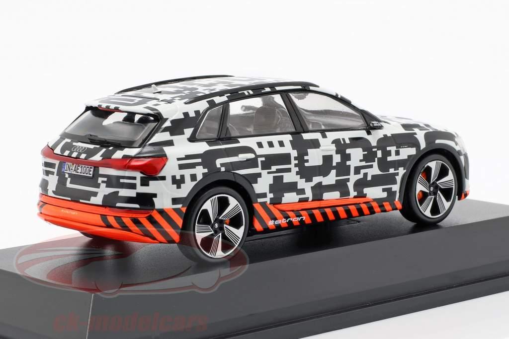 Audi e-tron Prototype weiß / schwarz 1:43 Spark