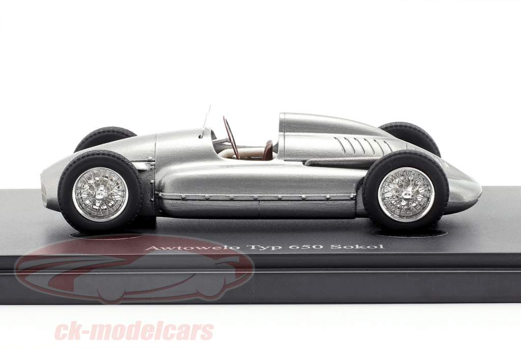 Awtowelo Typ 650 Sokol Bouwjaar 1952 zilver 1:43 AutoCult