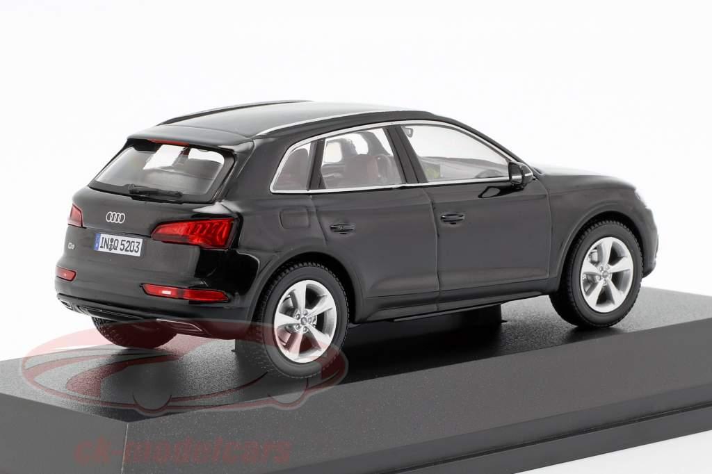 Audi Q5 mythe noir 1:43 iScale