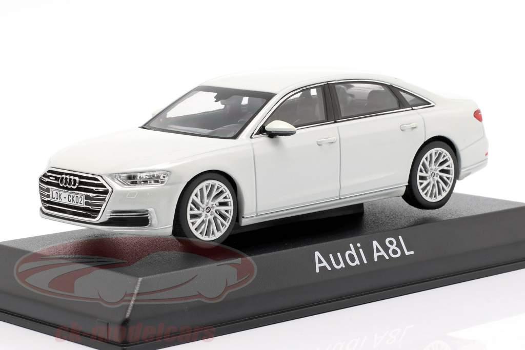 Audi A8L branco 1:43 iScale