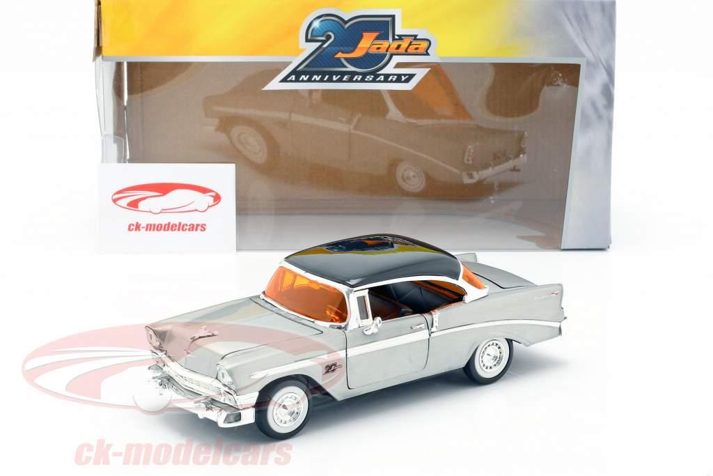 Chevy Bel Air anno di costruzione 1956 grigio argento / nero 1:24 Jada Toys