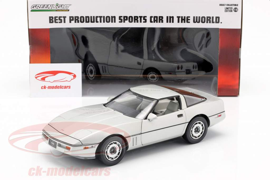 Chevrolet Corvette C4 Opførselsår 1984 sølv metallisk 1:18 Greenlight