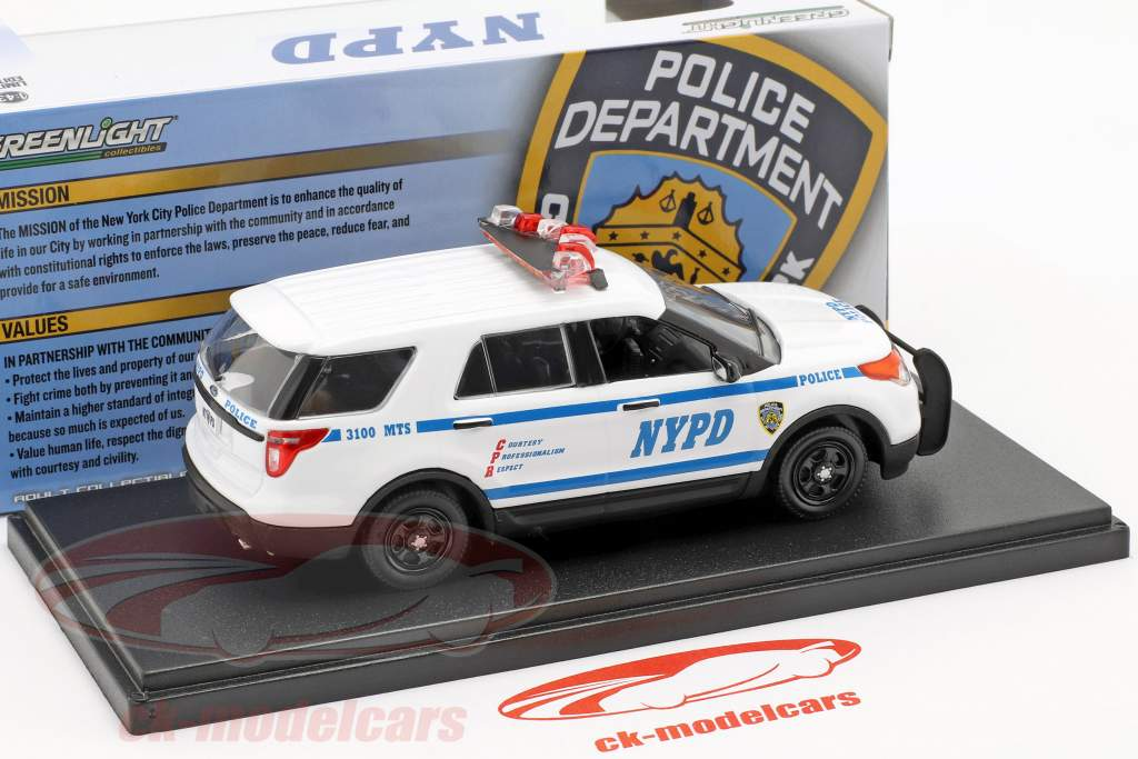 Ford Police Interceptor Utility NYPD année de construction 2013 blanc / bleu 1:43 Greenlight