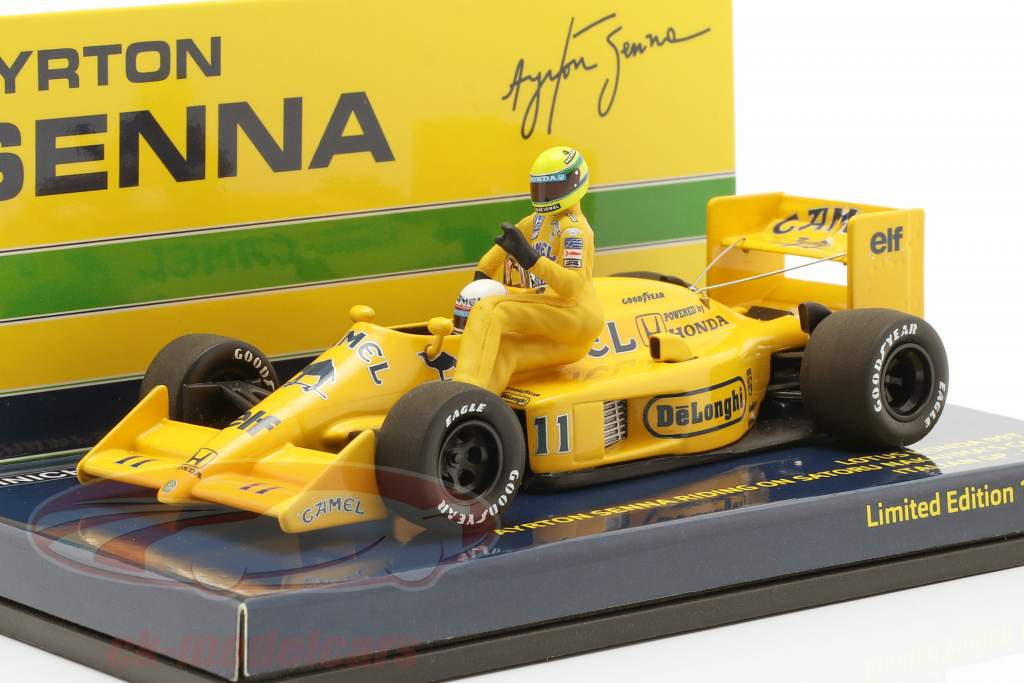 A. Senna riding on S. Nakajimas Lotus 99T #11 italien GP F1 1987 1:43 Minichamps