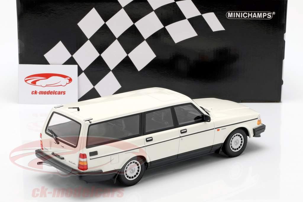 Volvo 240 GL Break Bouwjaar 1986 wit 1:18 Minichamps