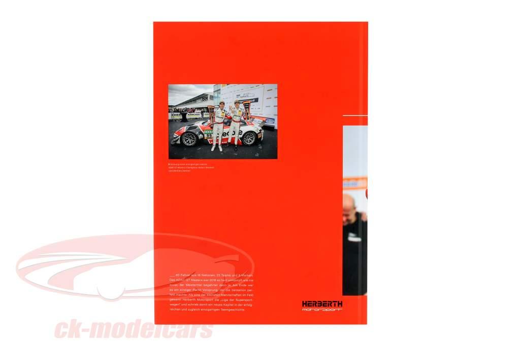 Set GT Masters campeón 2018: libro con Porsche 911 (991) GT3 R #99 1:43 CMR