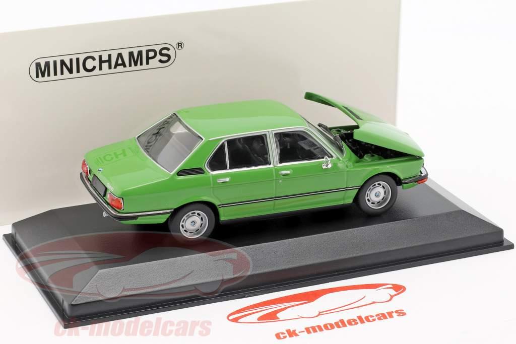 BMW 520 E12 year 1974 green 1:43 Minichamps