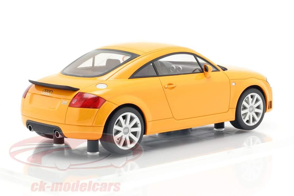 Audi TT 3.2 Bouwjaar 2003 papaja oranje 1:18 DNA Collectibles