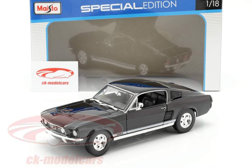 Ford Mustang GTA Fastback año 1967 negro 1:18 Maisto