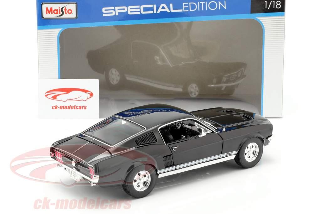 Ford Mustang GTA Fastback Year 1967 black 1:18 Maisto