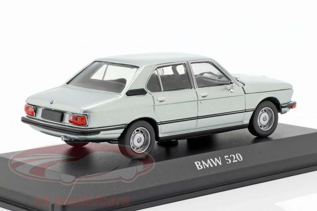 BMW 520 E12 year 1974 light blue metallic 1:43 Minichamps