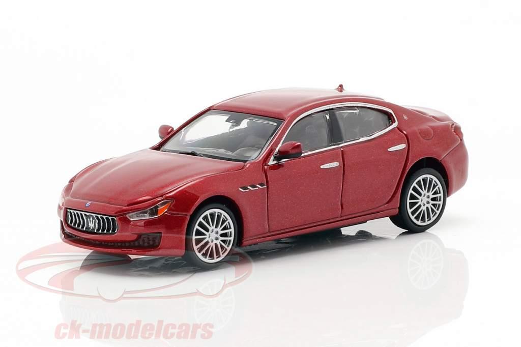 Maserati Ghibli año de construcción 2018 oscuro rojo metálico 1:87 Minichamps