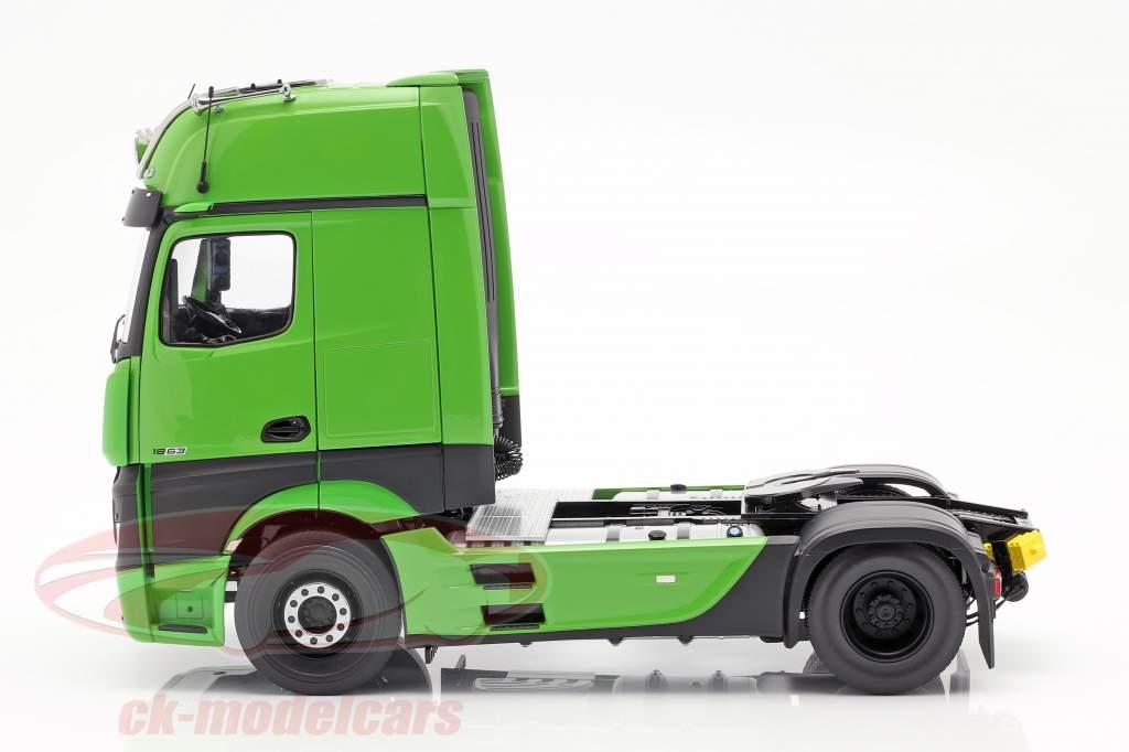 Mercedes-Benz Actros Gigaspace 4x2 vrachtwagen Facelift 2018 groen 1:18 NZG