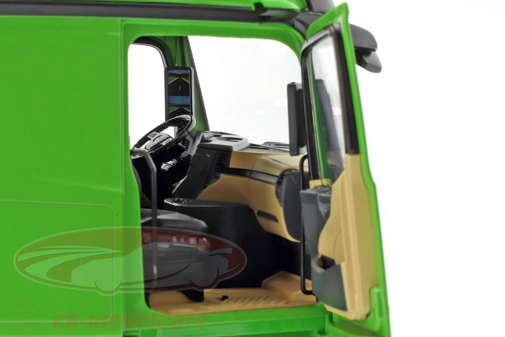Mercedes-Benz Actros Gigaspace 4x2 camion Facelift 2018 verde 1:18 NZG