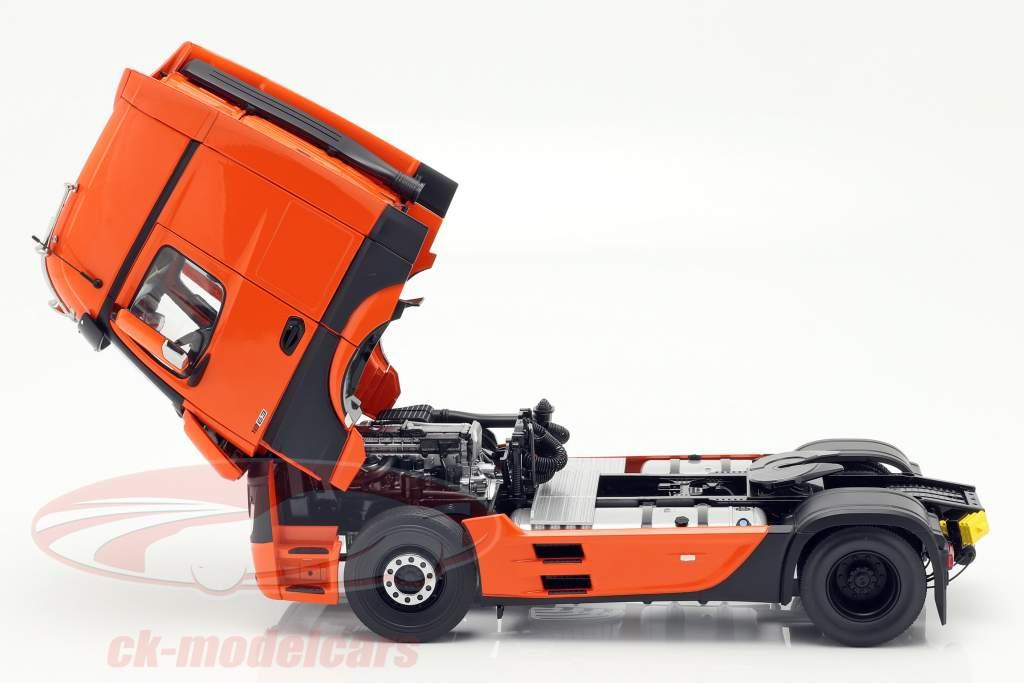 Mercedes-Benz Actros Gigaspace 4x2 vrachtwagen Facelift 2018 oranje 1:18 NZG
