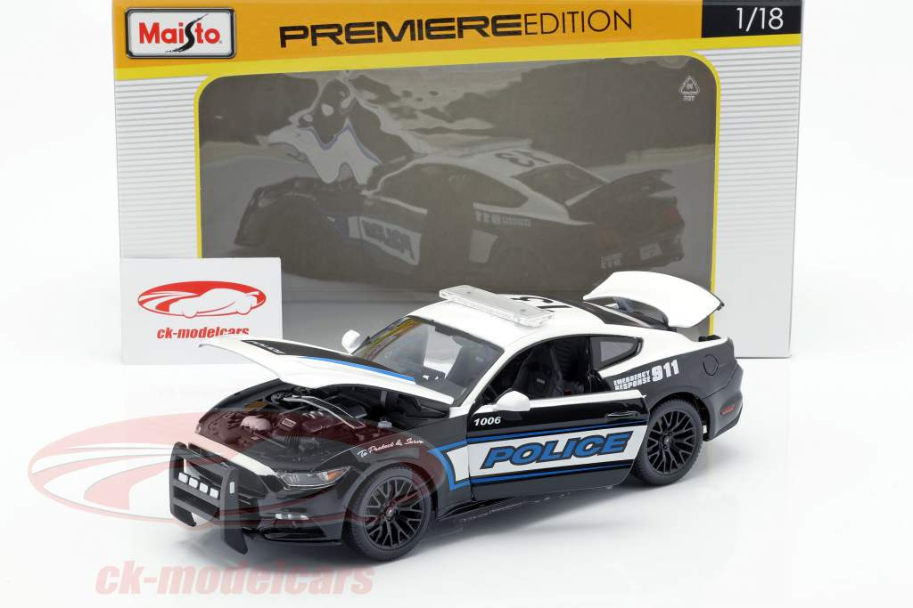 Ford Mustang GT Policy Car Year 2015 black / white 1:18 Maisto