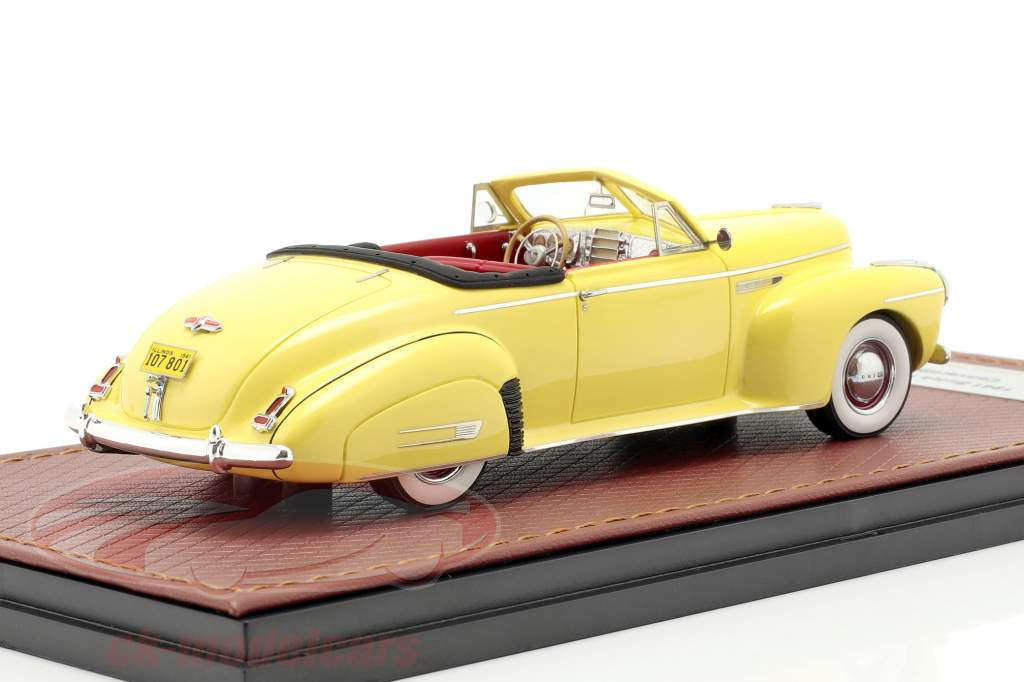 Buick Roadmaster Convertible 76C Open year 1941 yellow 1:43 GLM