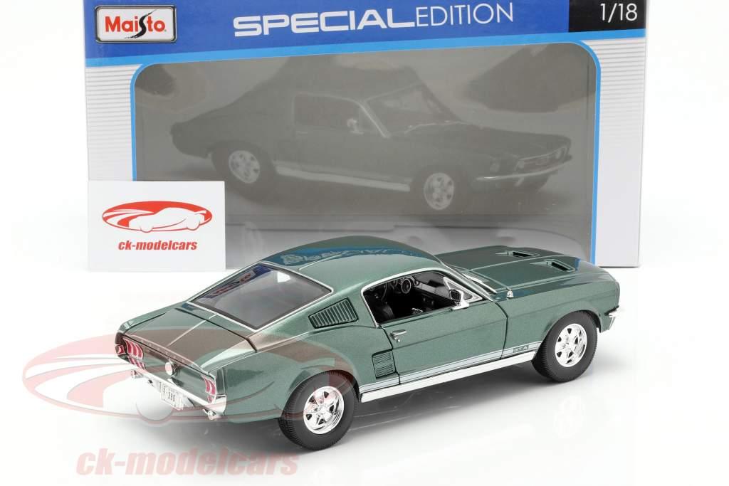 Ford Mustang GTA Fastback year 1967 green 1:18 Maisto