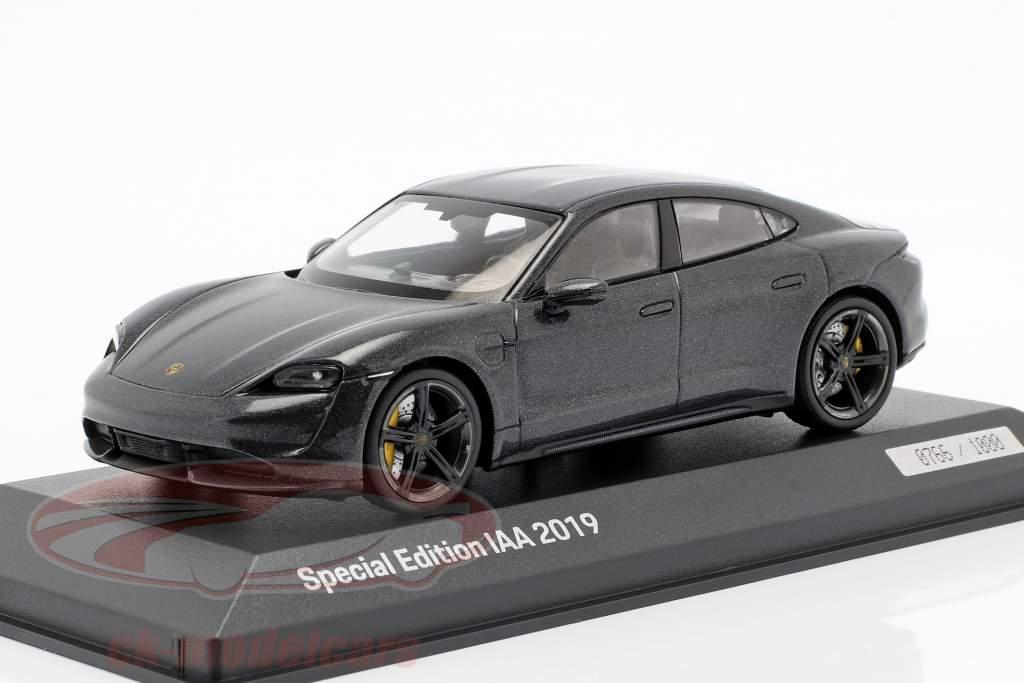 Porsche Taycan Turbo S IAA 2019 vulkaan grijs metalen 1:43 Minichamps