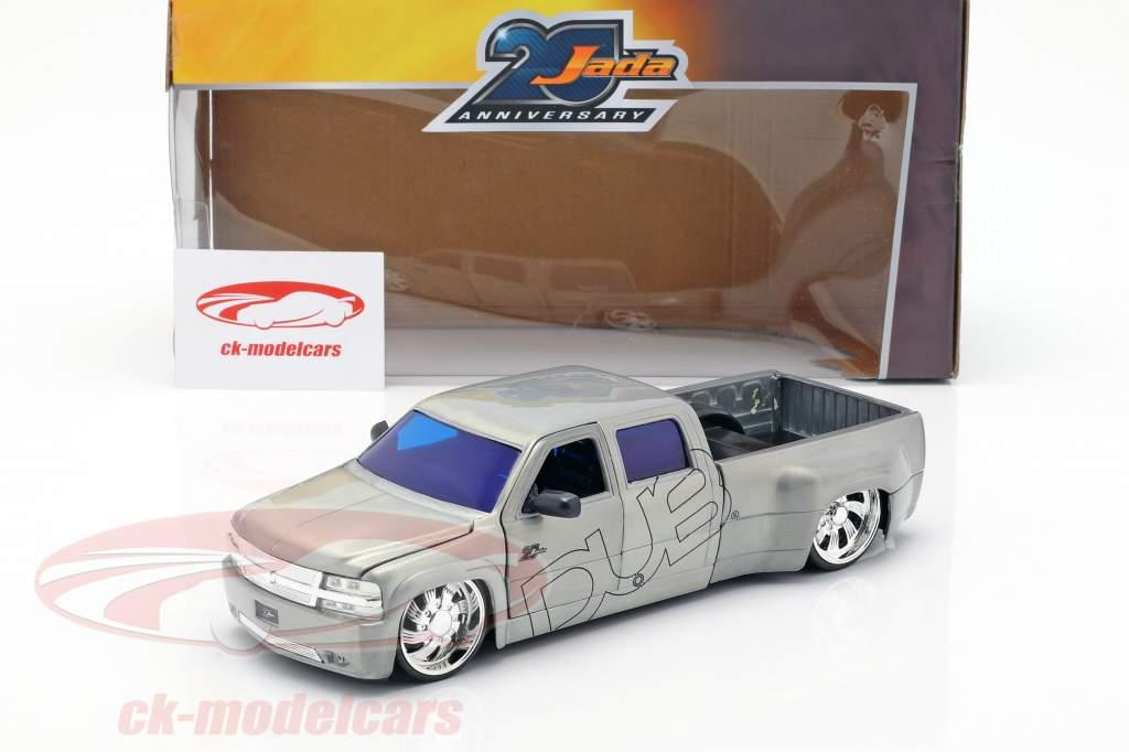 Chevy Silverado Dooley Pick-Up año de construcción 1999 plata 1:2
