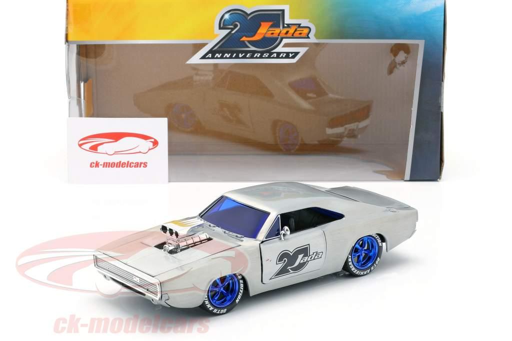 Dodge Charger R/T anno di costruzione 1970  argento 1:24 Jada Toys