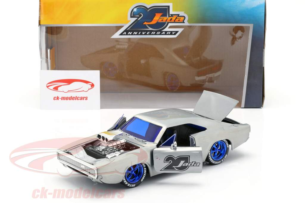 Dodge Charger R/T Bouwjaar 1970  zilver 1:24 Jada Toys